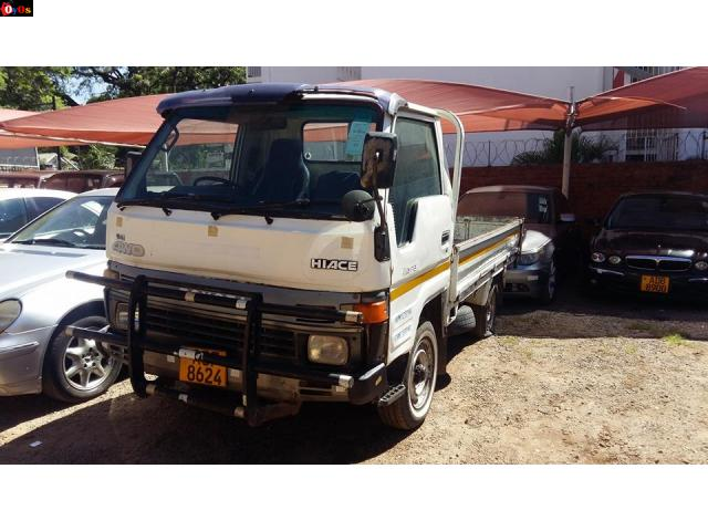 Toyota Hiace Pick Up